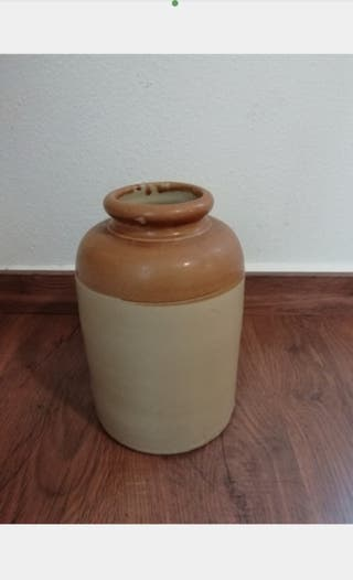 Orza de cerámica.