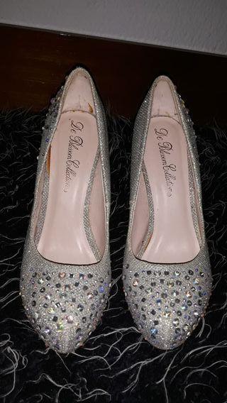 zapatos de tacón con brillantes
