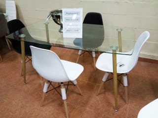 Mesa con 4 sillas (Nordicas )