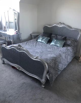 King size antique style silver bed frame