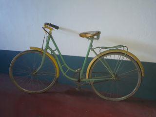 bicicleta de varillas.