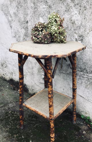Mesa bambú y mimbre vintage