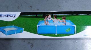 piscina jardín