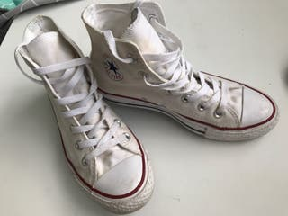 White Converse All Star - Size 4