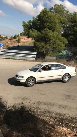 Volkswagen Passat CC 2001