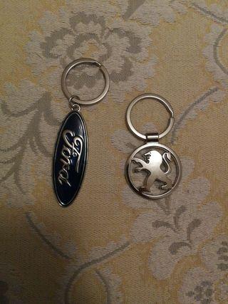llaveros Ford y Peugeot