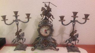 Conjunto Reloj y dos candelabros