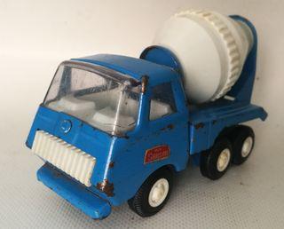 camión hormigonera Rico