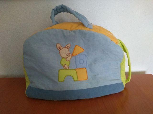f3e08f77e Mochila porta ropa para bebé de segunda mano por 6 € en Huelva en ...