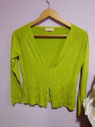 chaqueta verde de entretiempo