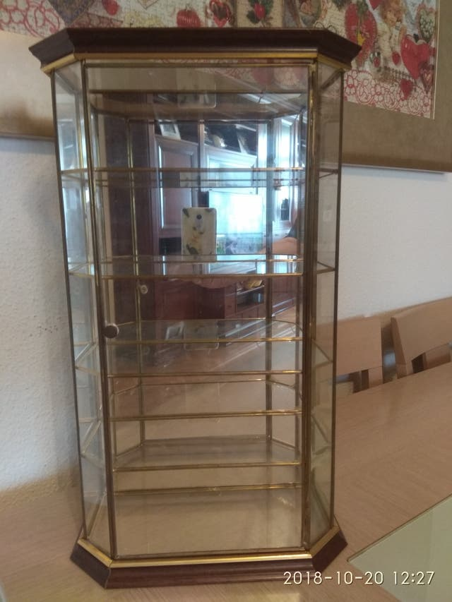 vitrina expositora de cristal