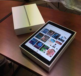 iPad ultima generacion como nuevo.