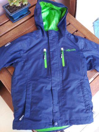 Abrigo impermeable azul y verde Trollkids 128cm
