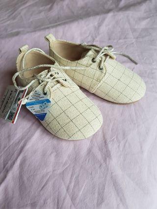 Zapatos niña Zara de segunda mano por 9 € en Madrid en WALLAPOP