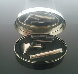 Set de afeitar de viaje. Kit maquinilla afeitar.