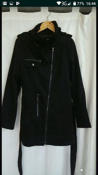 Chaqueton negro casi sin uso talla 44-46
