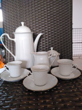 juego de cafe de porcelana de Irabia