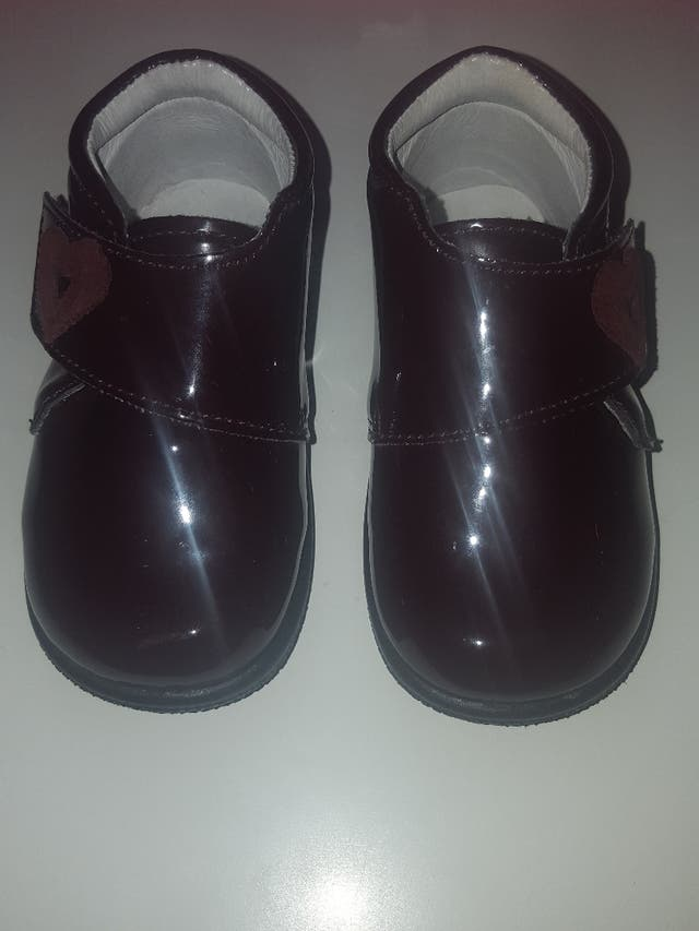 a90a15569 Zapatos niña marca Titanitos de segunda mano por 12 € en Andújar en ...