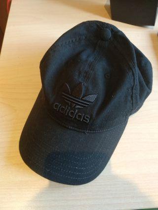 Gorra Adidas negra