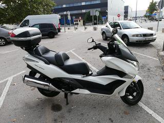 moto Honda SW T 400