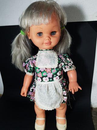 muñeca bizzy de icsa