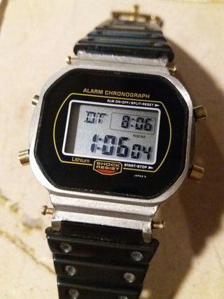 Casio GShock DW 5700 gold