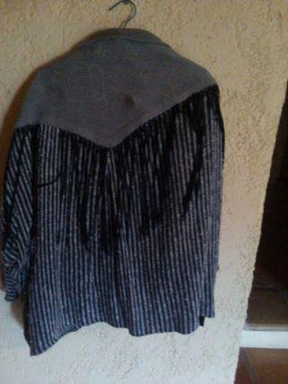 chaqueta con flecos