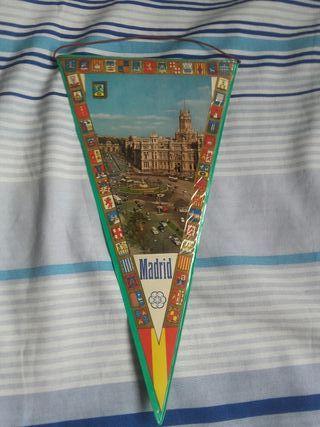 Antiguo Banderín plastificado de Madrid años 60