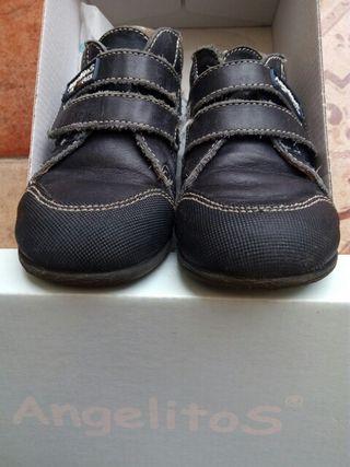 Zapatos niño 23.
