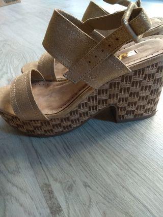 sandalias doradas plataforma t37