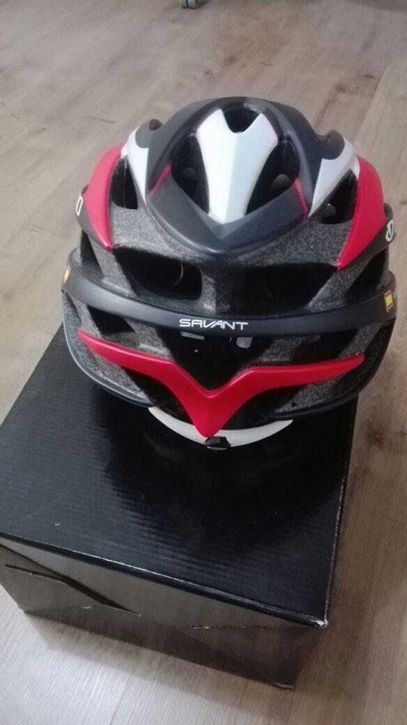 Casco Bicicleta Giro Savant. Talla M