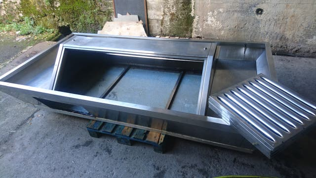 Campana extractora central de 6 filtros acero inox