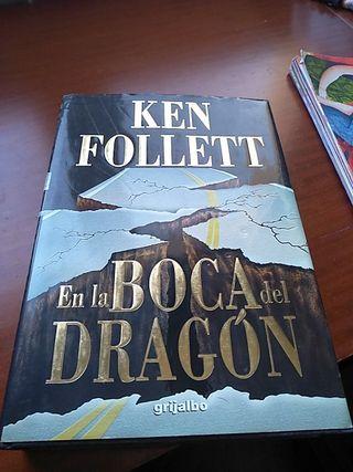 Ken Follet: En la boca del dragón