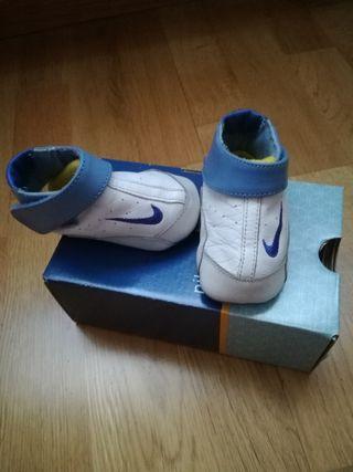 Zapatillas bebe niño