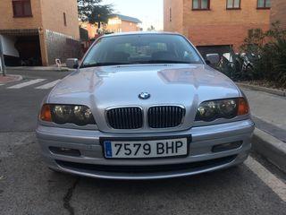 BMW Serie 3 330d A del 2002 .