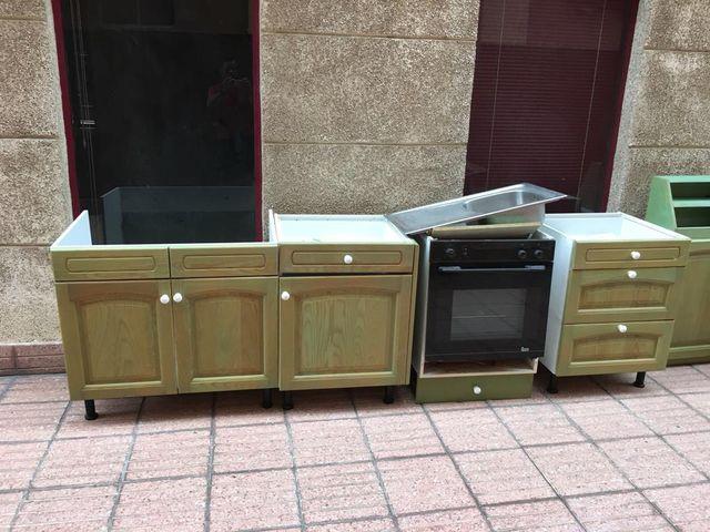 Vendo juego de muebles de cocina de segunda mano por 750 € en Las ...