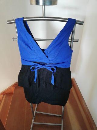 Robe noire et bleue
