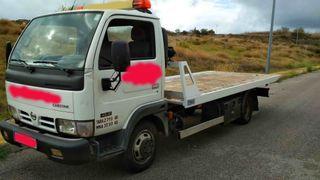 Nissan Cabstar grua portavehículos 3500kg