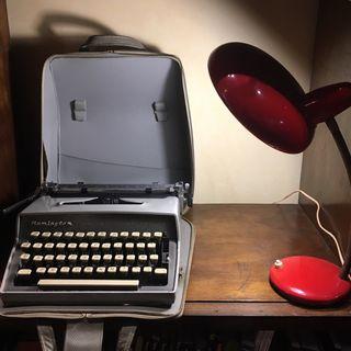 Maquina de escribir antigua Remington