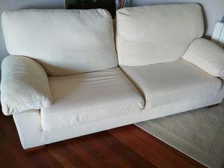 Sofá crema 2 metros.