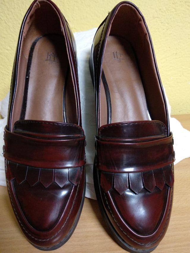 Zapatos Castellanos burdeos. de segunda mano por 10 € en Alcalá de ... 0bc45bb6684e