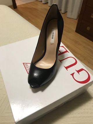 Zapatos 39 De Segunda Por Talla 60 Mano Guess BrqwE7x4B