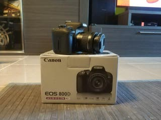 Canon 800D con objetivo 18-55 IS STM