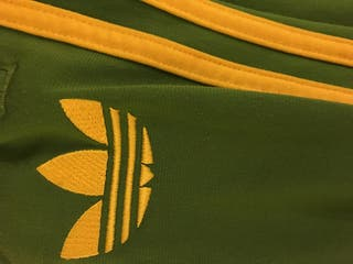survêtement vert et jaune adidas