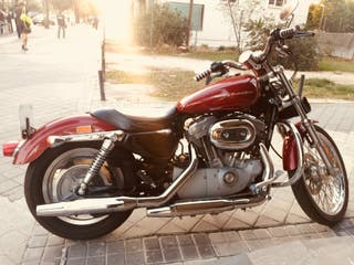 Moto Harley Davidson Sportster 883 Custom