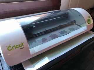 Impresora de corte cricut mini