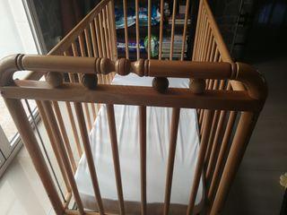 Cuna de madera con colchón viscoelástico NUEVO
