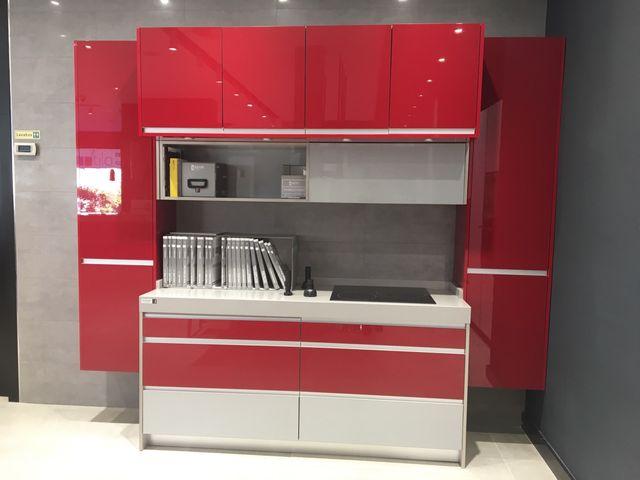 Muebles de cocina nuevos lacados en alto brillo de segunda mano por ...