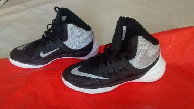 dbb1de923252e Zapatos deportivos NIKE originales USA. A estrenar de segunda mano ...
