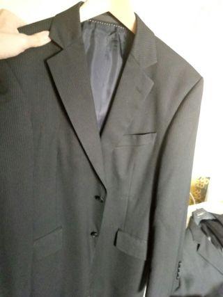 traje versace y otras chaquetas de marca